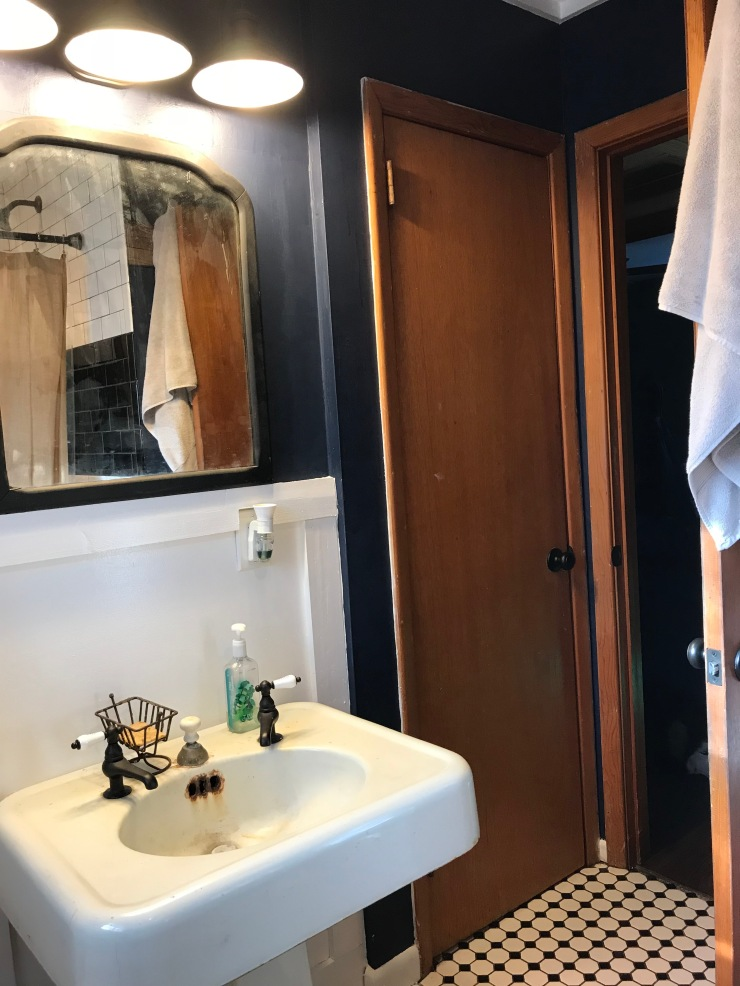 Mix The Old In With The New In A Bathroom- The Homestead Kings